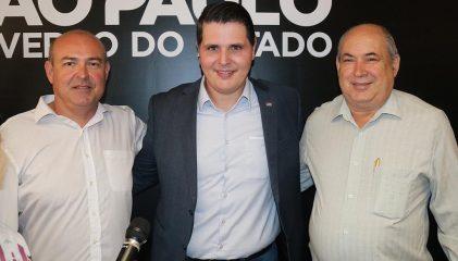 Prefeito Carlão participa de encontro com o Governador em exercício, Cauê Macrís.