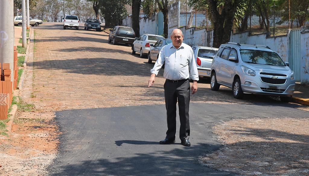 Prefeitura realiza operação tapa-buracos por toda a cidade