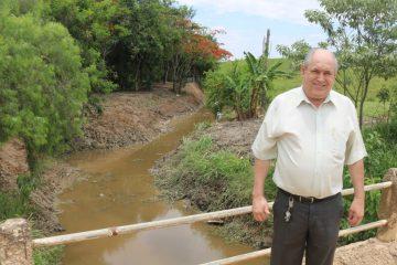 Prefeitura de Rafard realiza desassoreamento de córrego no Sete Fogões