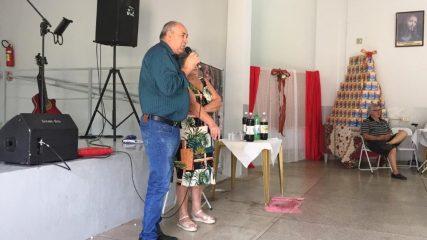 Prefeito Carlão participa de confraternização da Terceira Idade
