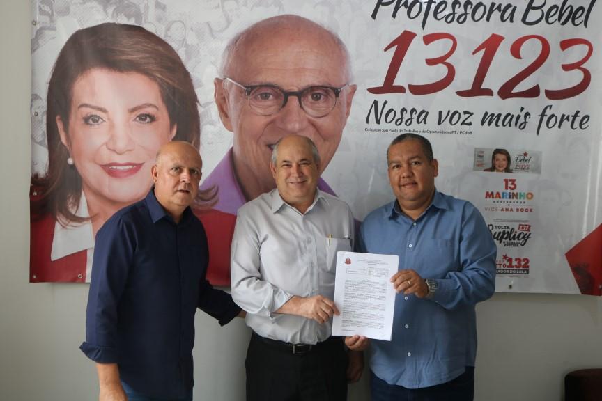 Prefeito Carlão assina convênio para pavimentação do bairro Sete Fogões