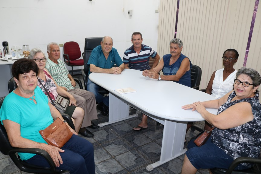 Prefeito Carlão dá boas vindas ao novo grupo da Terceira Idade