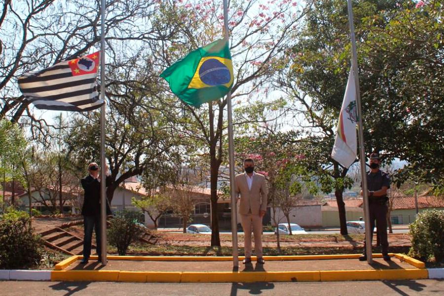 Read more about the article Prefeitura de Rafard realiza o 7 de Setembro no Paço Municipal