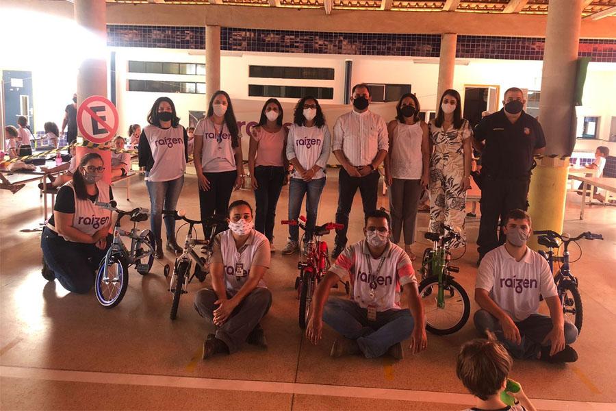 Raízen faz doação de bicicletas para a EMEI Enzo Henrique Vieira